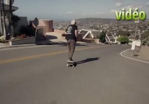 Une descente en skateboard impressionnante