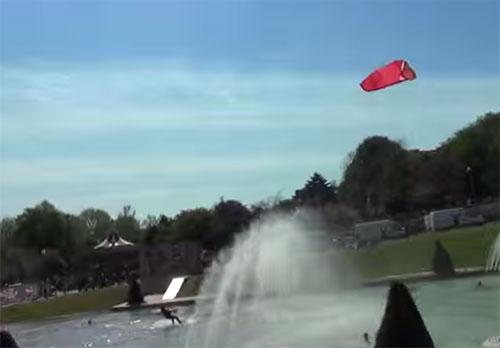 kitesurf dans la fontaine du Trocadéro
